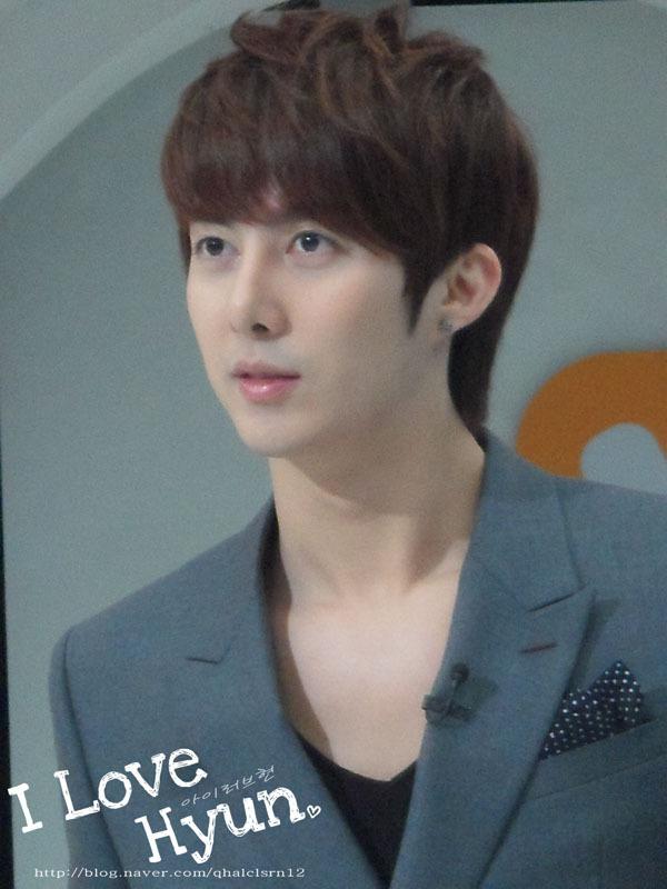 20111116 Mnet 와이드연예뉴스 – 김형준